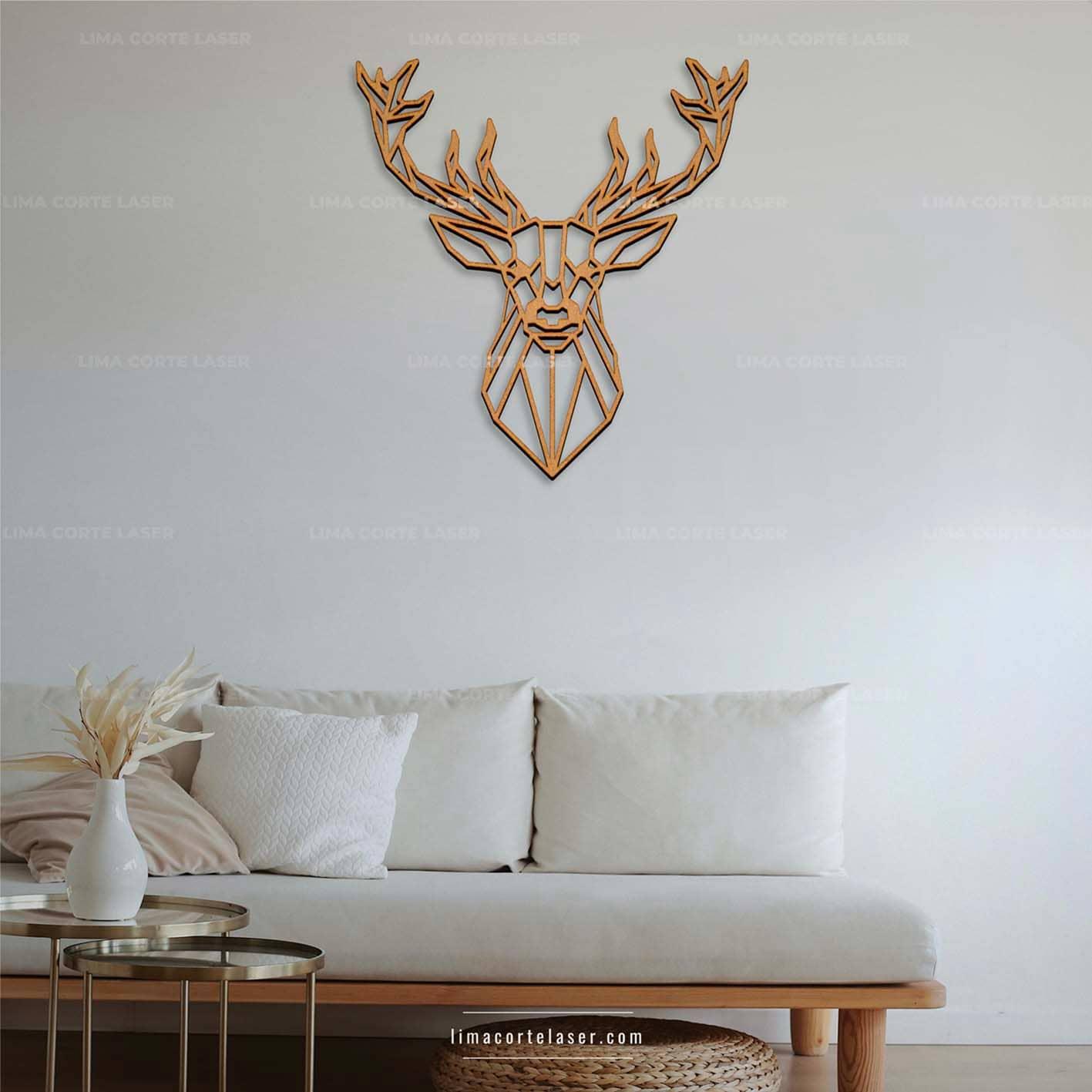 Adorno para pared con figura de ciervo geométrico en MDF y cortado con láser