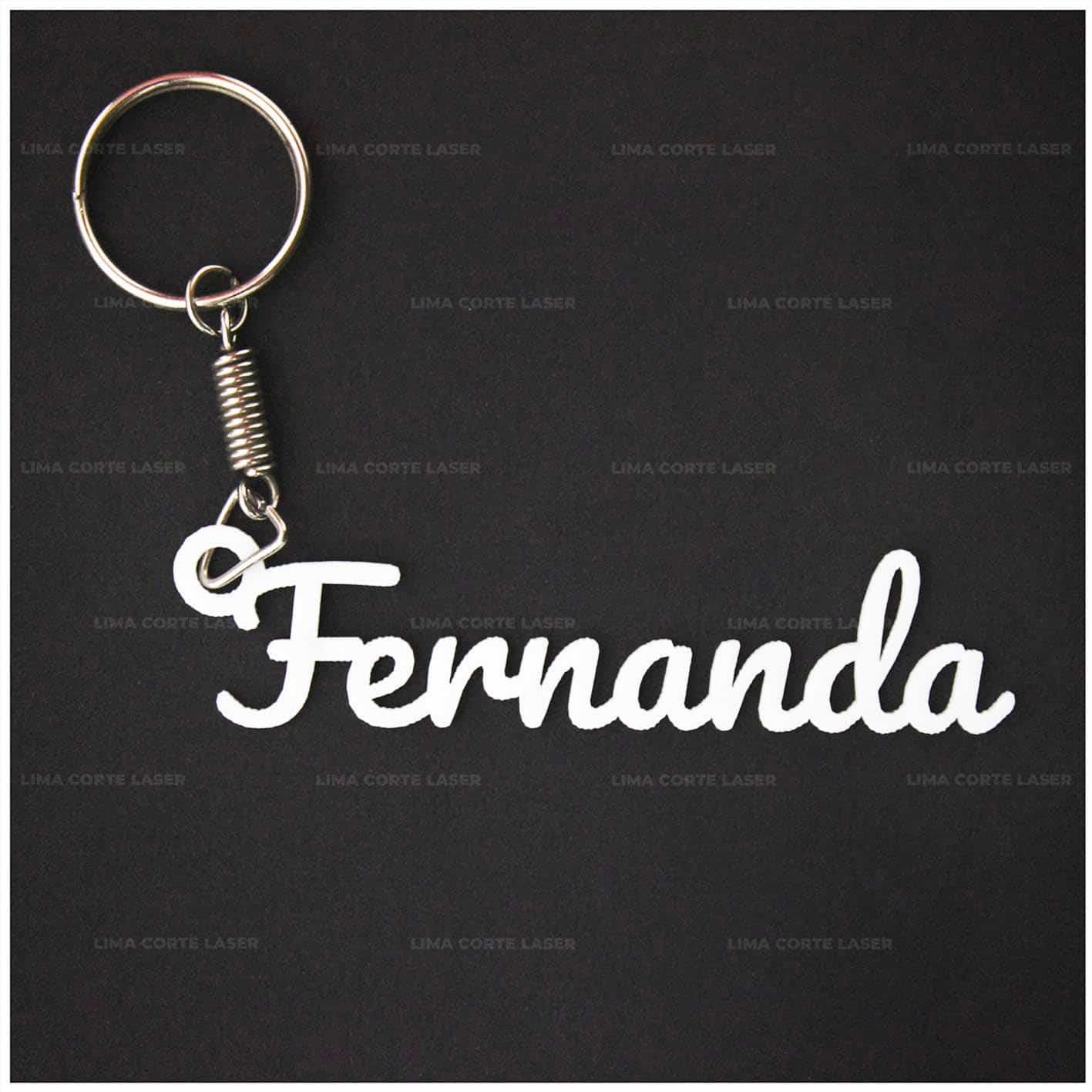 Corte láser acrílico con forma de llavero personalizado con nombre Fernanda