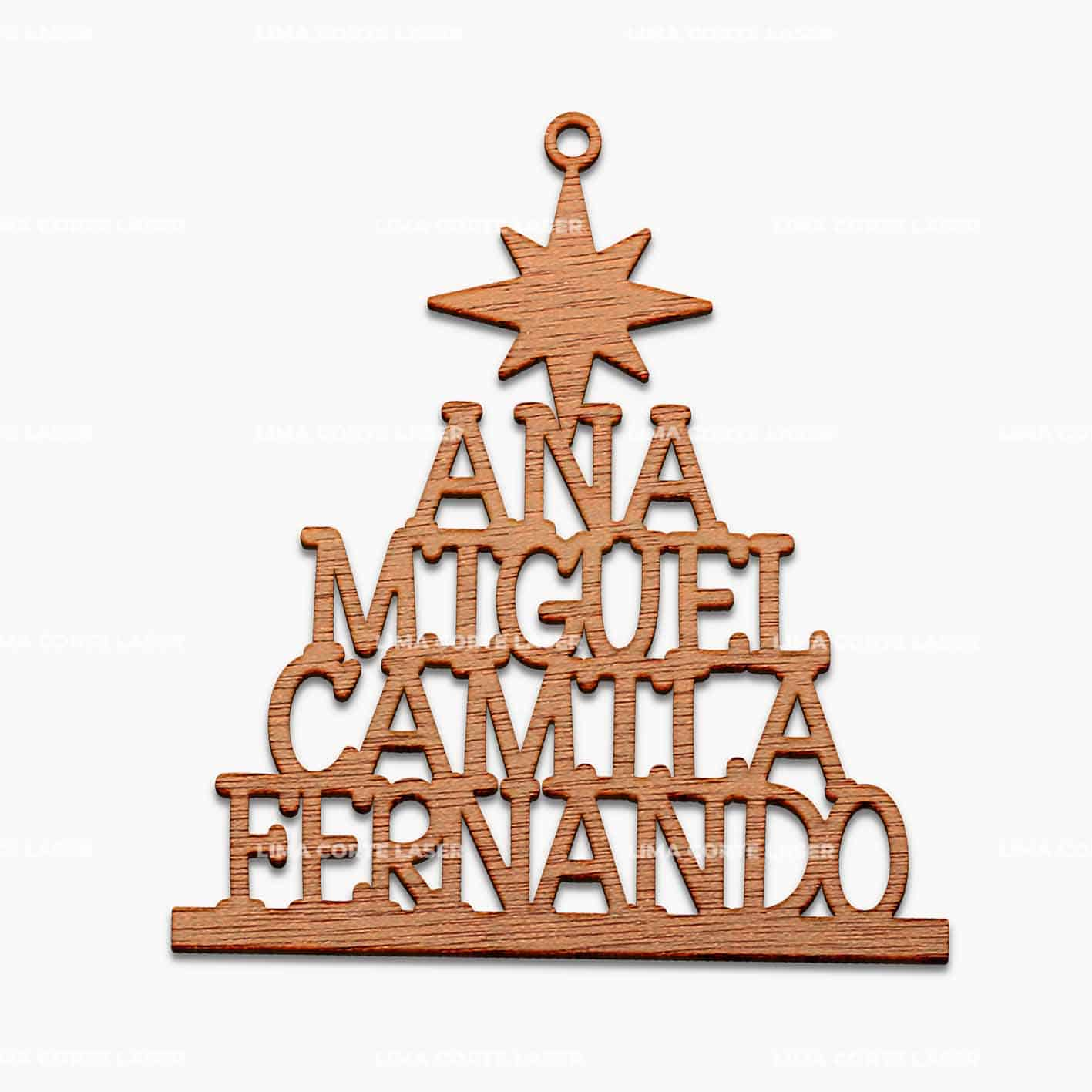 Adorno navideño personalizado con forma de árbol de navidad y nombres de una familia