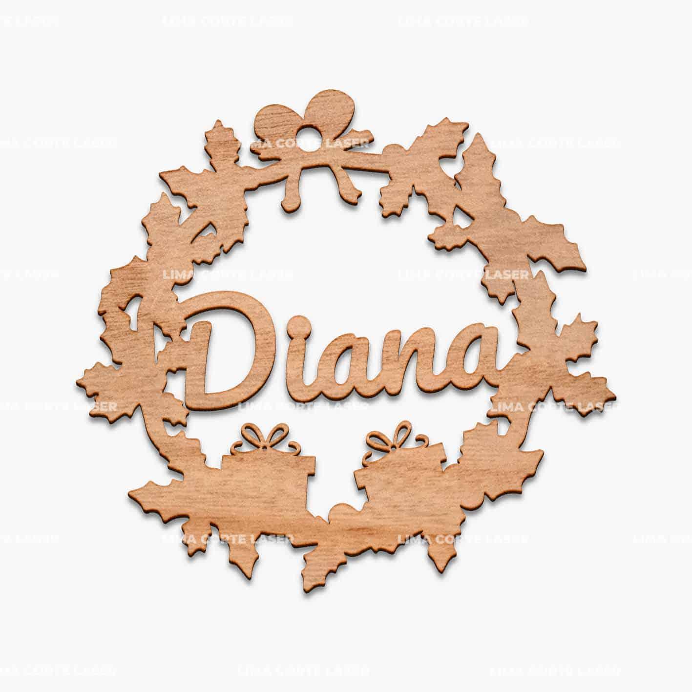 Adorno navideño personalizado con forma de corona de hojas con nombre Diana