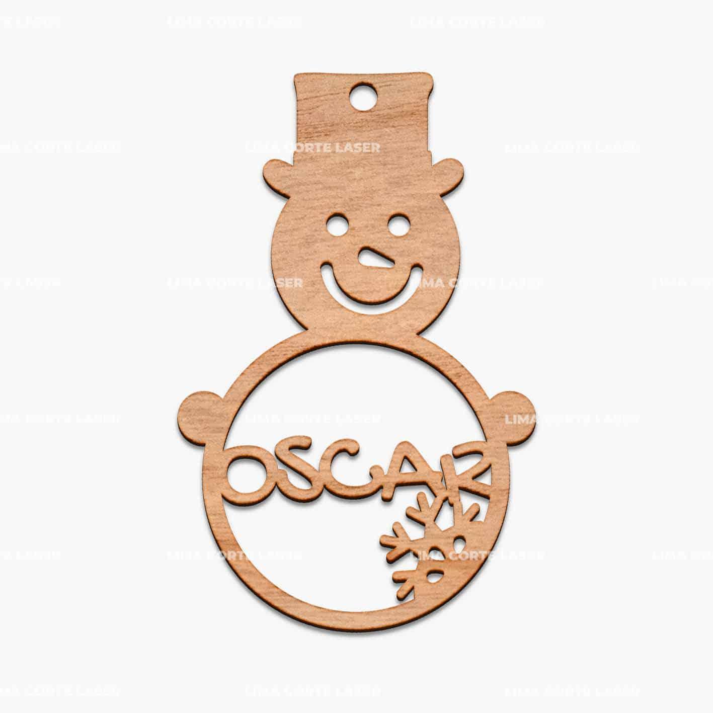 Adorno navideño personalizado con la forma de un muñeco de nieve y el nombre de Osca