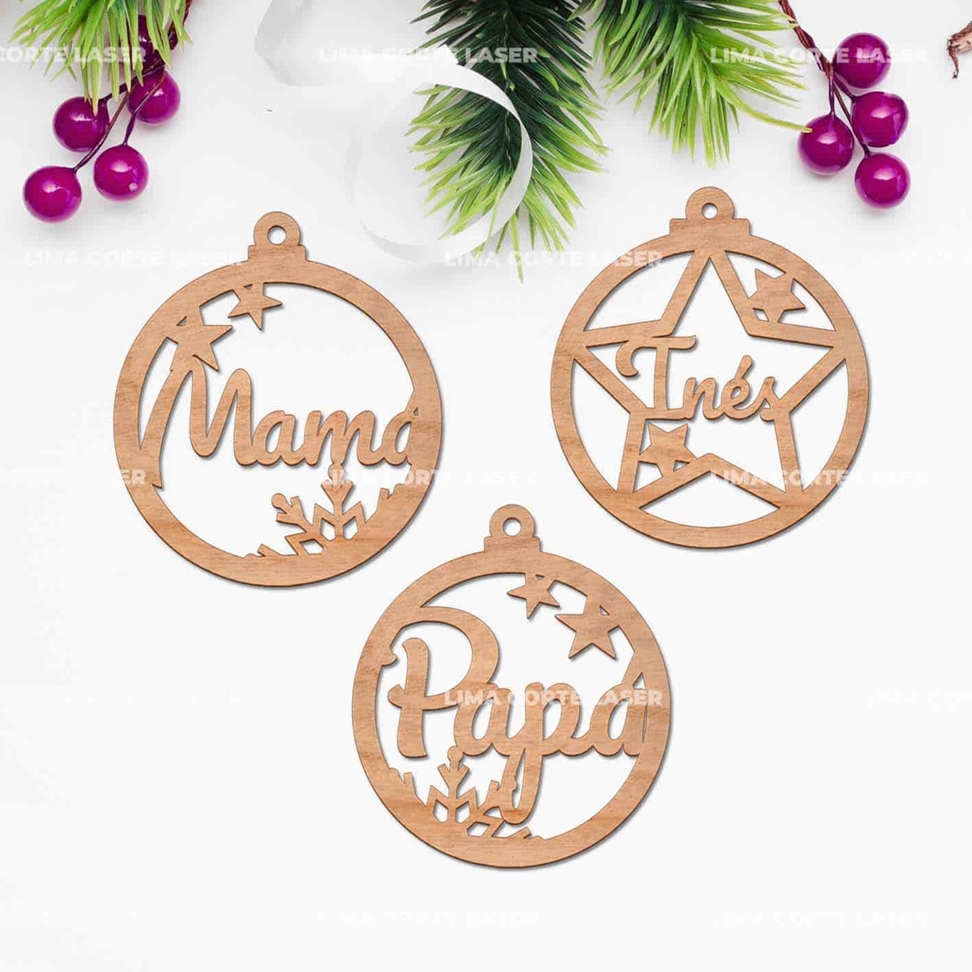 Bolas de navidad personalizadas de madera con nombres Mamá Inés y Papá