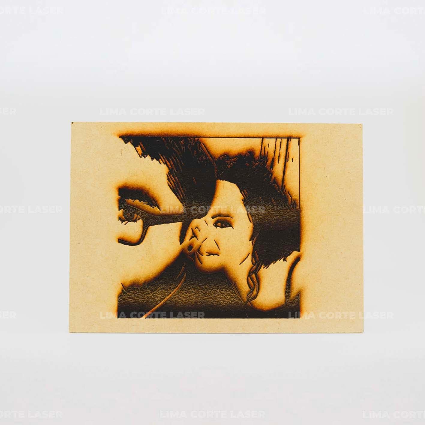 Fotografía grabada con láser en madera