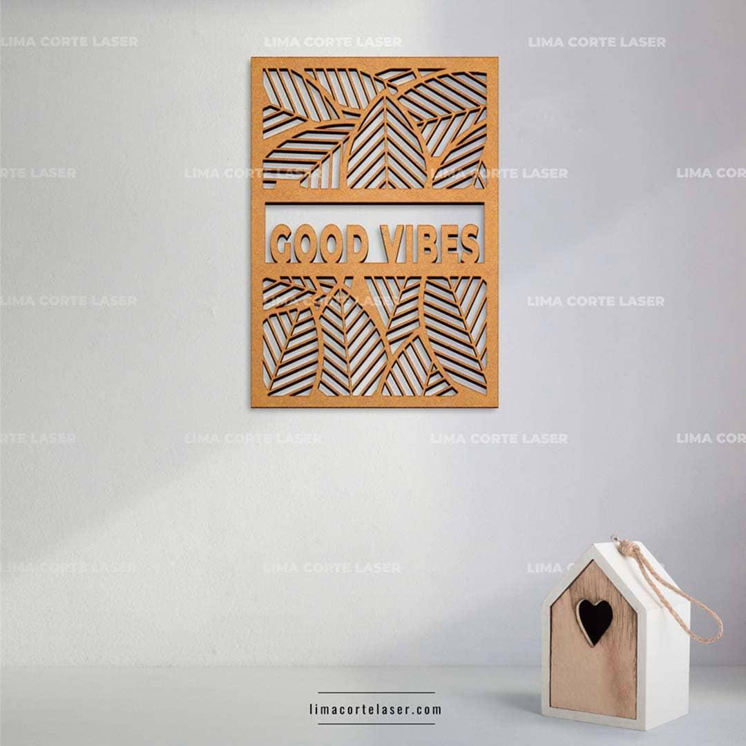 Mandala de madera personalizado con láser con la palabra good vibes
