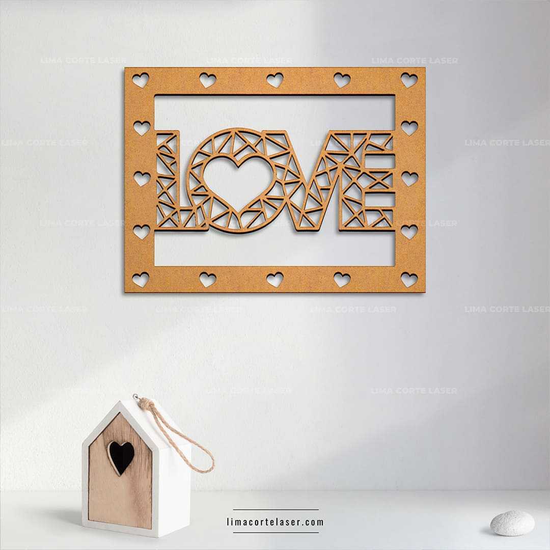 Regalo personalizado con láser sobre MDF con la palabra love