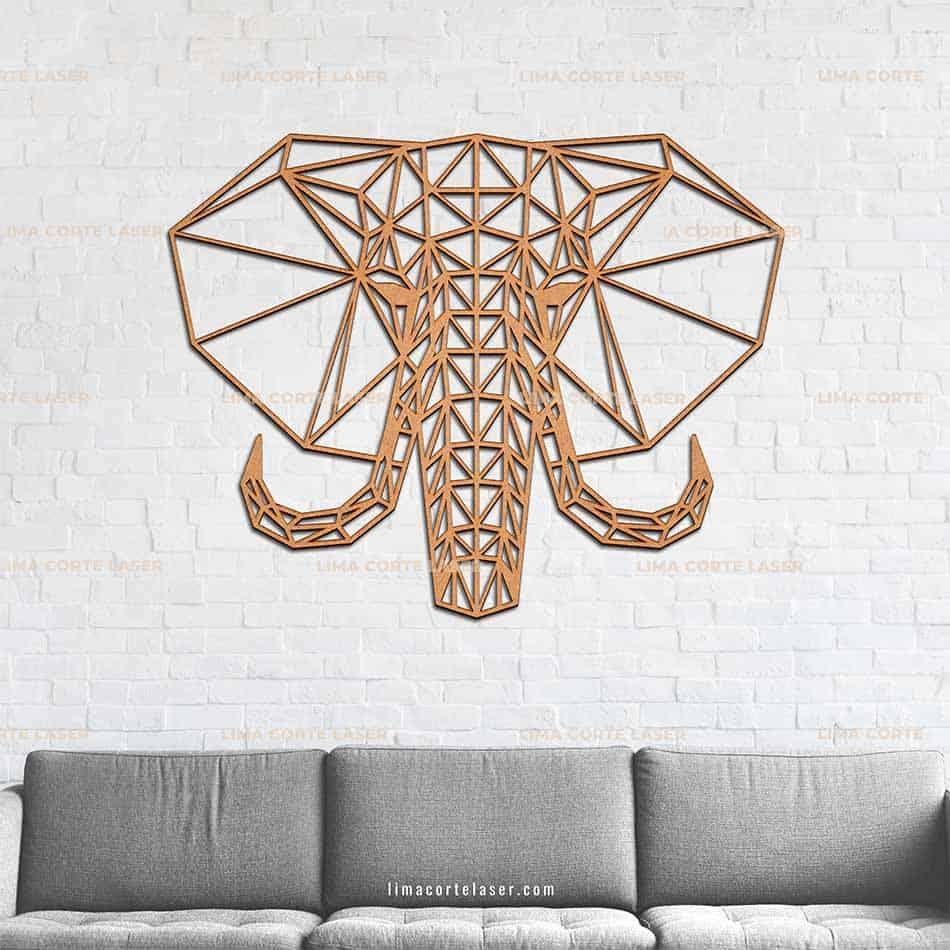 animal geométrico cortado con láser con forma de elefante