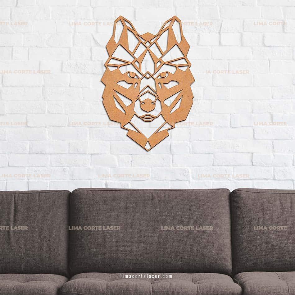 Animal geométrico cortado con láser con forma de lobo