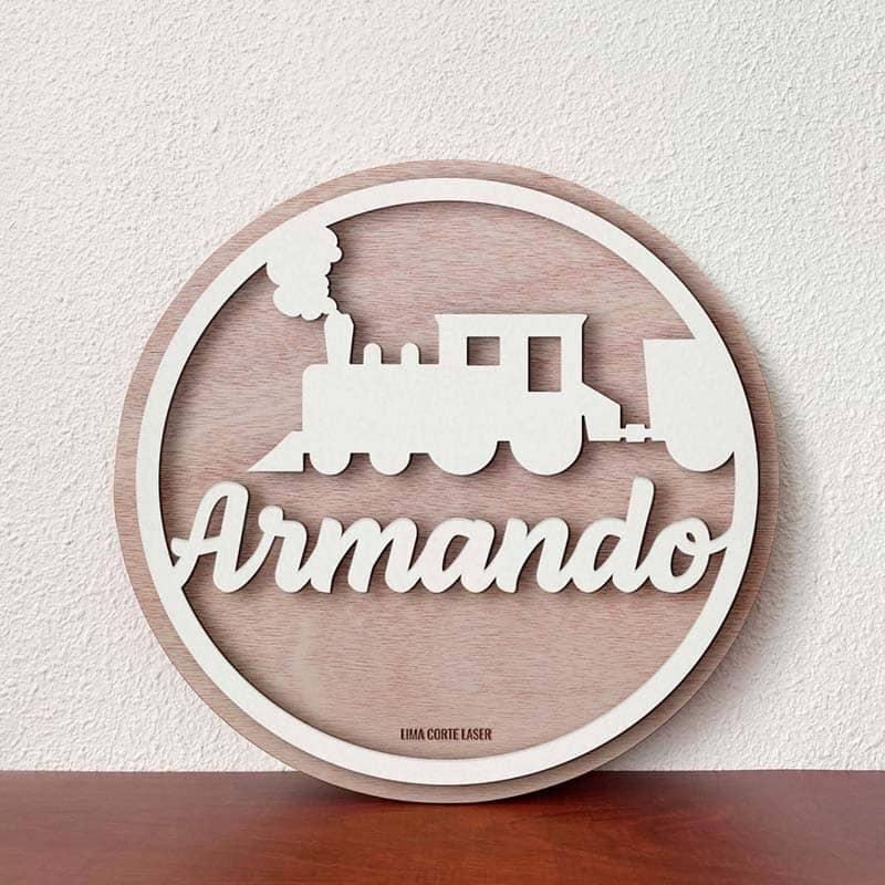 Placa circular de madera personalizada con nombre Armando y figura de tren